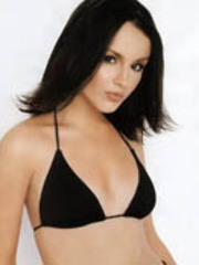 Cute actress Rachael Leigh Cook gets so..