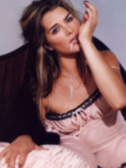 Brooke Shields showing her assets..