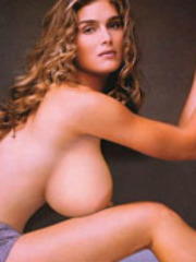 Brooke Shields showing her ripping..