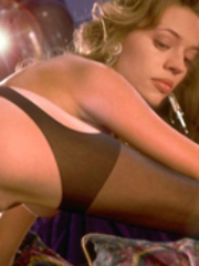 Hot celebrity Jeri Ryan on pantyhose..