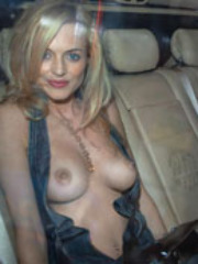 Sexy actress Heather Graham showing her..
