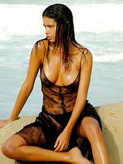 Celeb Adriana Lima basic pics, oops!