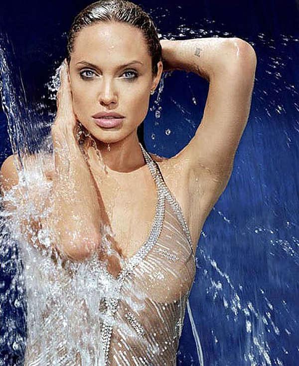 Yükle. Анджелина Джоли начала работать в качестве модели одежды в