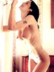 Celebrity Angelina Jolie sex photos.