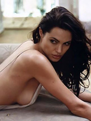 Beauty celebrity Angelina Jolie sex photos.