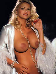 Celeb Anna Nicole Smith nude pictures.