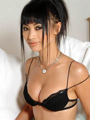 Beauty celebrity Bai Ling sex photos.