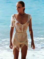 Beauty celebrity Bo Derek naked pics,..