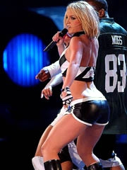 Britney Spears does sexy performance at..
