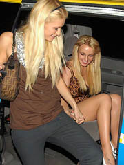 Britney Spears oops flashes white panties
