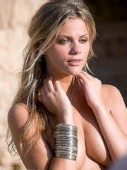 Celebrity Brooklyn Decker nude pictures.