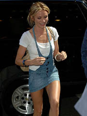 Cameron Diaz XXX in short jeans..