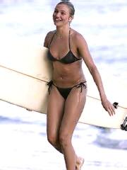 Cameron Diaz nice body in a bikini