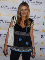 Carmen Electra looks hot and drops..