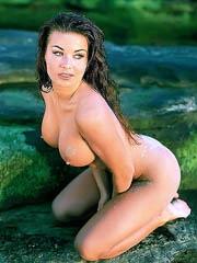 Beauty celebrity Carmen Electra naked..