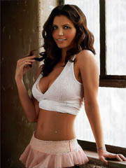 Beauty celebrity Charisma Carpenter sex..
