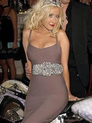 Christina Aguilera hot curves in tight..