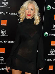 Christina Aguilera hot body in black..
