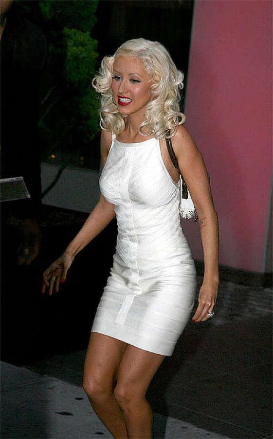pussy Christina flash aguilera