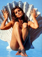 Celebrity Cindy Crawford naked pics,..