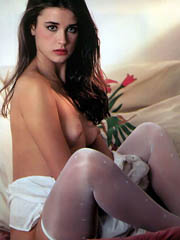 Beauty celebrity Demi Moore nude..