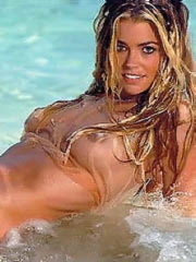 Denise Richards pussy lips in a bikini