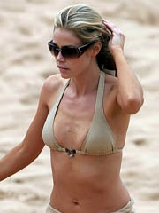 Denise Richards hot body in a little..
