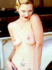 Beauty celebrity Drew Barrymore nude..