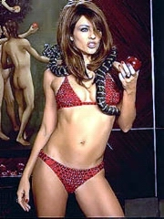 Elizabeth Hurley naked caught at the..