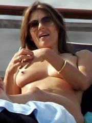 Celeb Elizabeth Hurley nude pictures.