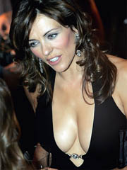Beauty celebrity Elizabeth Hurley naked..