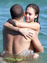 Celebrity Jessica Alba naked pics, oops!