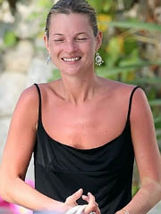 Kate Moss hot supermodel body in a bikini