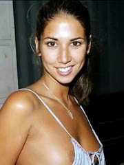 Celeb Leilani Dowding naked pics, oops!