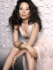 Lucy Liu naked flashes hot body in the..