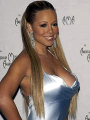 Mariah Carey oops flashes off nipslip