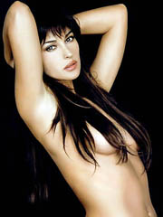 Beauty celebrity Monica Bellucci nude..