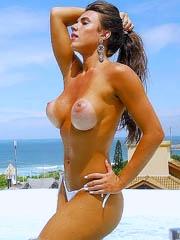 Celeb Nicole Bahls naked pics, oops!