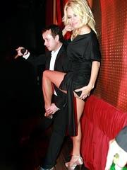 Celebrity Pamela Anderson naked pics,..