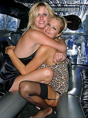 Paris Hilton and sister Nicky stripped..