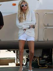 Celeb Paris Hilton naked pics, oops!