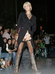 Celeb Paris Hilton nude pictures.