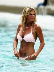 Rachel Hunter topless in a little bikini
