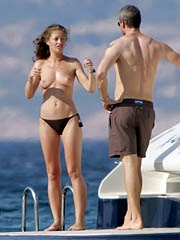 Celeb Rebecca Gayheart nude pictures.