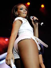 Celeb Rihanna 0 nude pictures.