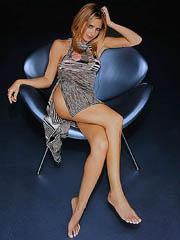 Sarah Michelle Gellar lesbian kisses..