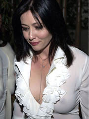 Beauty celebrity Shannen Doherty sex photos.