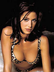 Beauty celebrity Shannon Elizabeth nude..