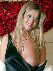 Tara Reid boob slip and looks very hot