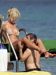 Celeb Victoria Silvstedt naked pics,..